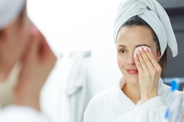 تنظيف البشرة العميق بعدة طرق متنوعة